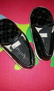 Sepatu anak usia 1th