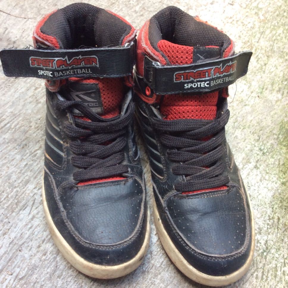 Dijual sepatu basket spotev 0ed785b0ab
