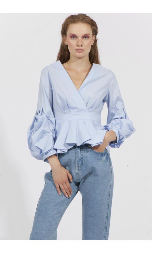 82f60b20c51b19 Jovonna London Lyla Blue Puffy Sleeves Top, Women's Fashion, Clothes ...