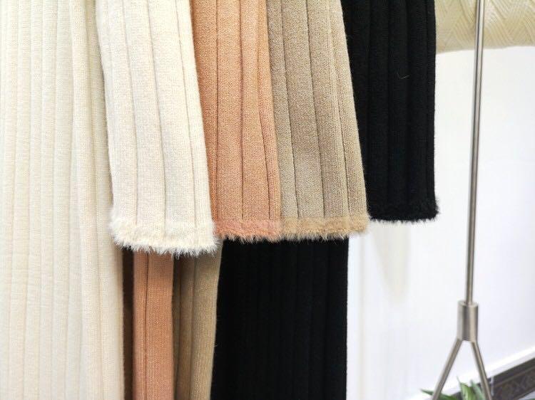 Knitted long sleeve turtle neck dress. Colour:米色 beige,卡其色 khaki,黑色 black,粉色 pink.