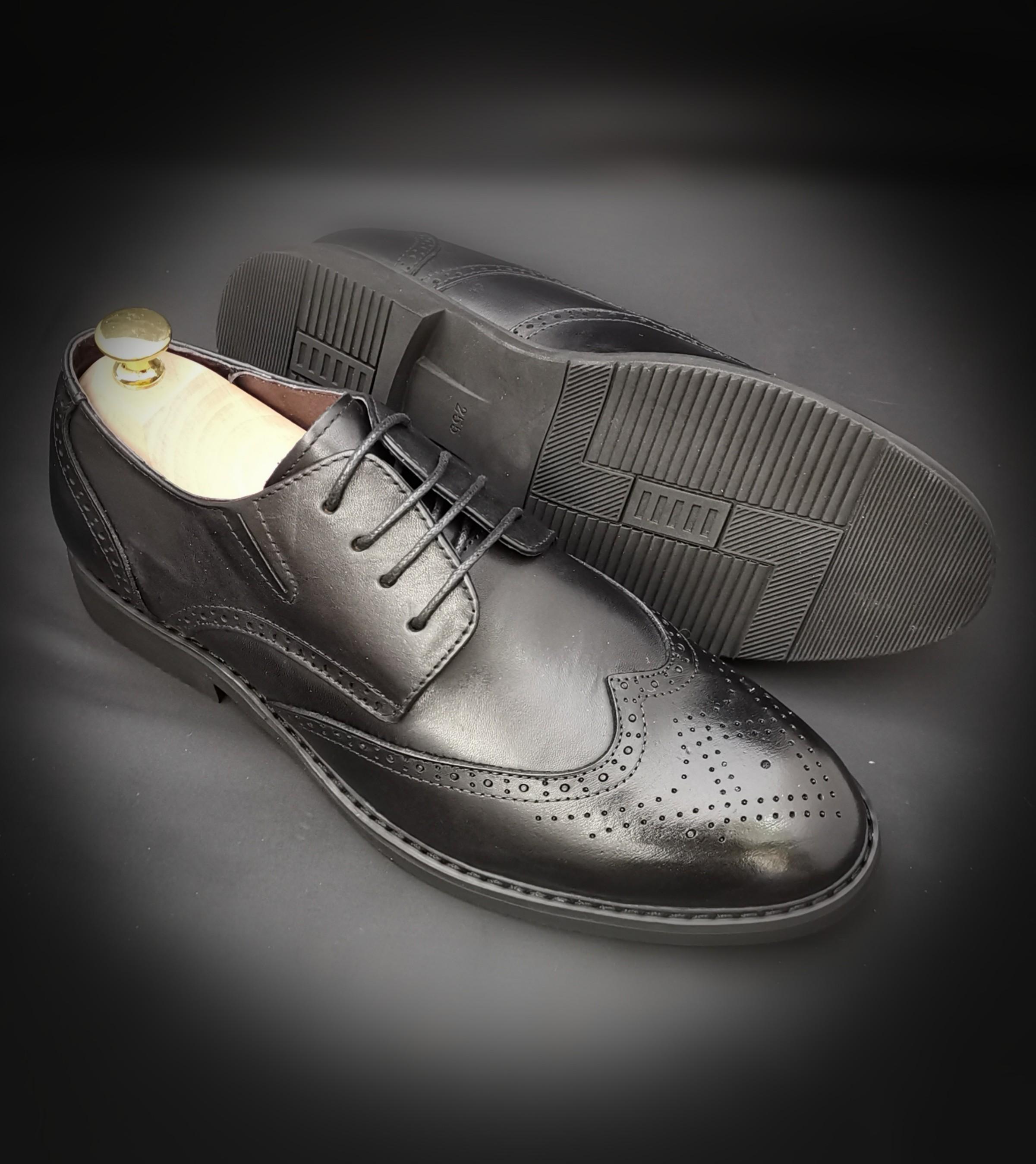 70de208c6 Men leather shoe, Men's Fashion, Footwear, Formal Shoes on Carousell