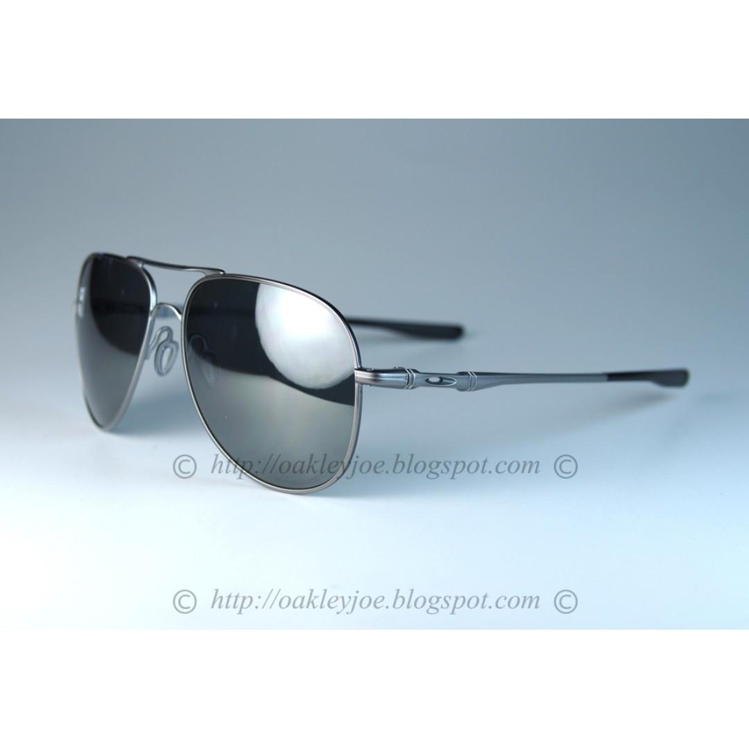 416e62d360 BNIB Oakley Elmont Large lead + black iridium polarized oo4119-0660 sunglass  shades