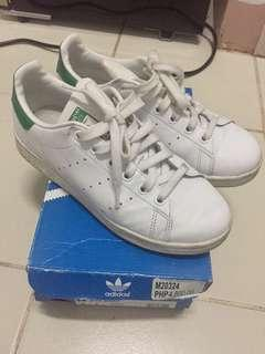 Women's Adidas Stan Smiths 4 1/2 US