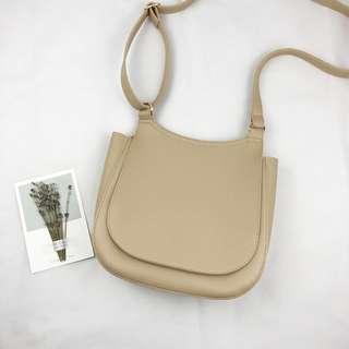 ✅ Korean Style Ivory Sling bag #XMAS25