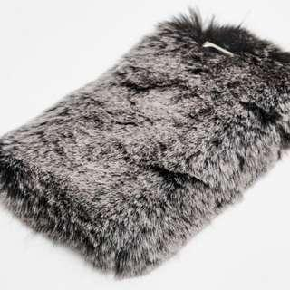 BRAND NEW PULL AND BEAR FURRY PHONE CASE