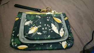 Fossil triple pouch ivy flower