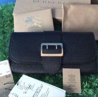 Burberry Textured Leather Continental Wallet. Great for Xmas gift