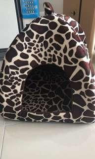 Pet (cat dog) bed house-free pos