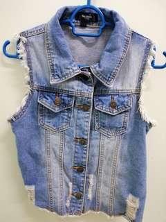 Stylish Denim Jacket sleeveless