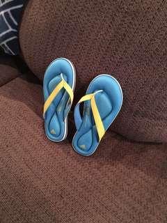 Adidas soft memory foam sandals women's size 5-6 brand new