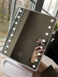 Led mirror vanity