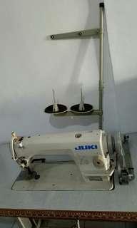 Mesin jahit juki ddl-8700 komplit dengan meja.