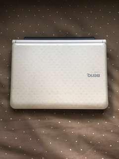 Laptop BenQ (nego tipis)