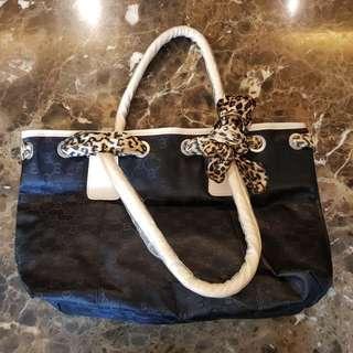 Black Handbag With Leopard Ribbon Branded
