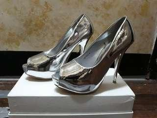 Silver shoes (5'inch)