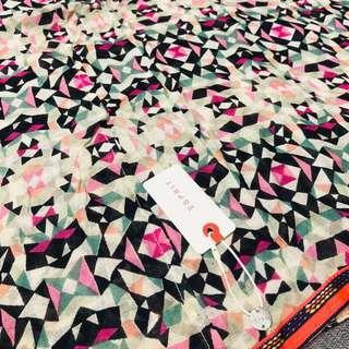 🚚 Esprit圍巾