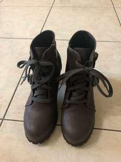 🚚 皮革中跟短靴
