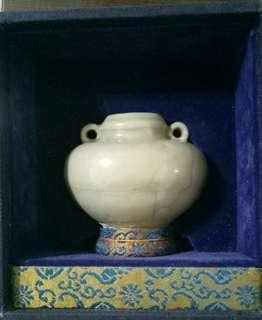 🚚 宋双耳青瓷小缶