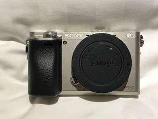 Sony A6000 ( With box)
