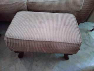 2 Footrests with wooden legs