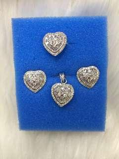Heart diamonds set with pendant