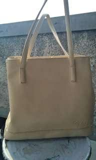 Totr bag mayoutfit