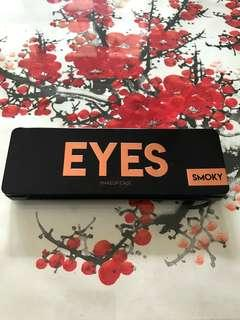Smoky Eyes Makeup Case