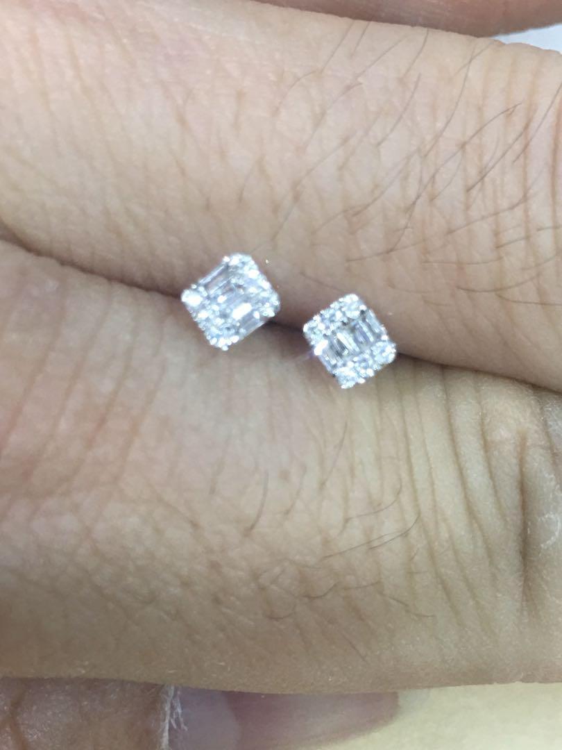 18k金挮方鑽石耳環共0.12ct 簡約大方👍💫 聖誕🎄🎁$1188💎💫🌟✨