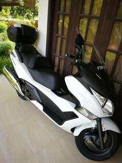 *RARE* Honda Silverwing ABS [FJS400A / SW-T400]