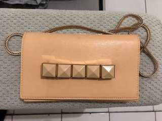 Clutch Charles&Keith Ori defect