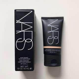 NARS Pure Radiant Tinted Moisturizer - Finland