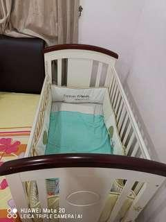 Lowest price for Pre loved Getha baby cot with FREE 6 items worth RM999