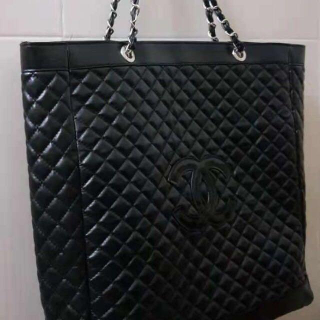 e701d2e45f836a 2019 Chanel Precision Makeup Tote Bag, Luxury, Bags & Wallets ...