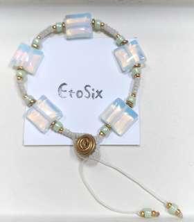 (含運)手作飾品--黃銅+乳白方型玻璃珠