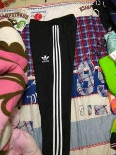 Adidas 三葉草縮口褲 便宜轉賣