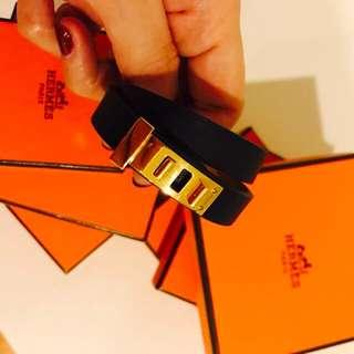 Black leather hermes bracelet ( mini dog ) 🎄