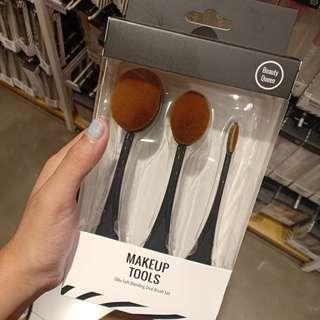 Makeup tools silky soft