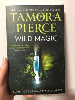 [Exclusive] Wild Magic - Tamora Pierce (Illumicrate Exclusive)