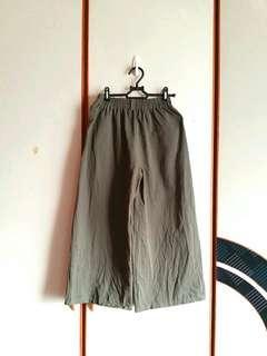 🚚 【免運】軍綠色挺版寬褲 #衣櫃大掃除
