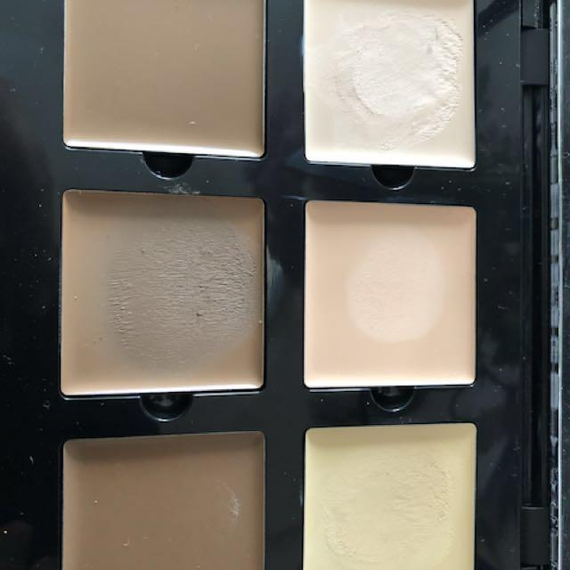 ABH cream contour palette in light