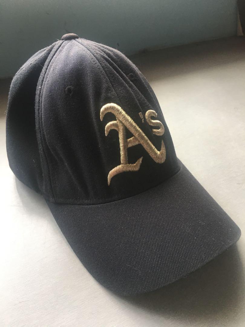 890e3496 A's Baseball cap, Fesyen Lelaki, Aksesori, Topi di Carousell