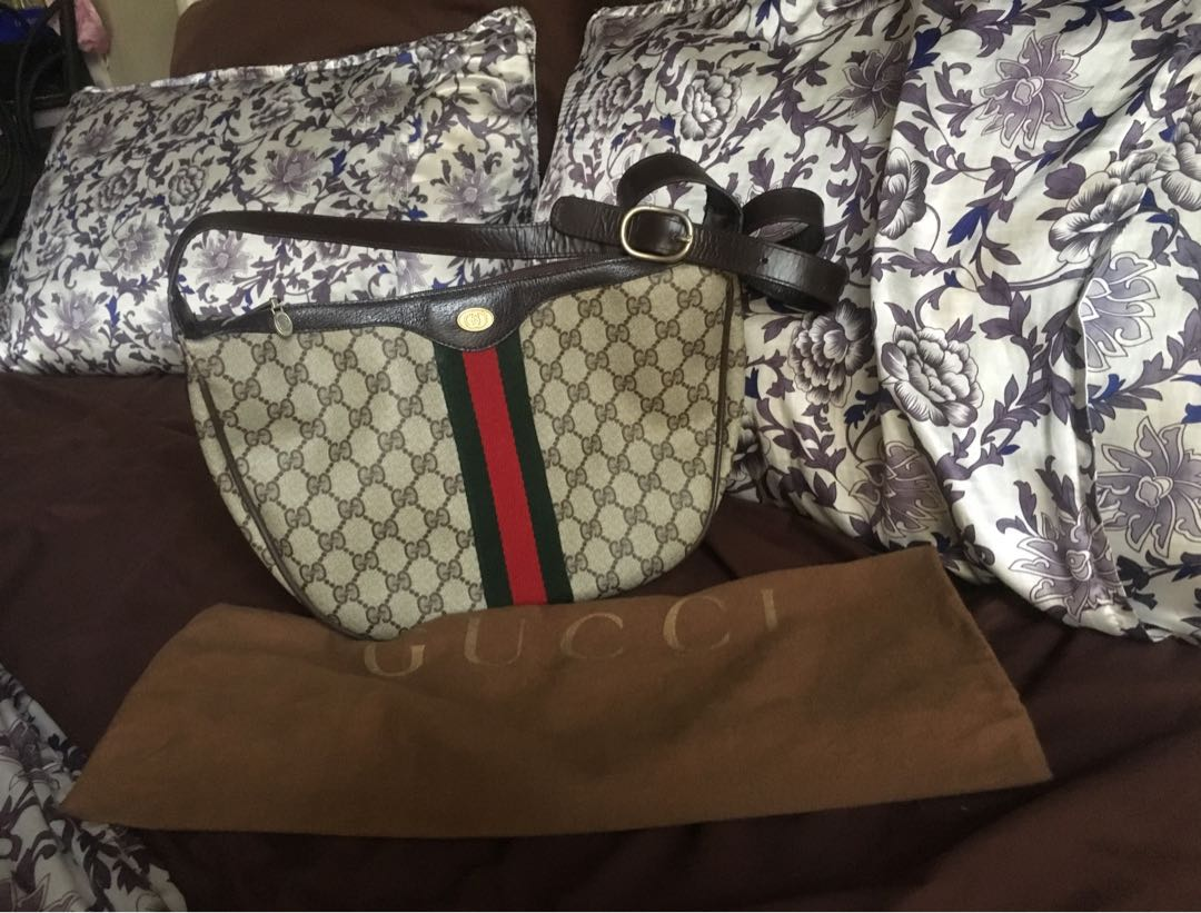 a8baa36d48b Authentic Gucci supreme GG monogram vintage bag