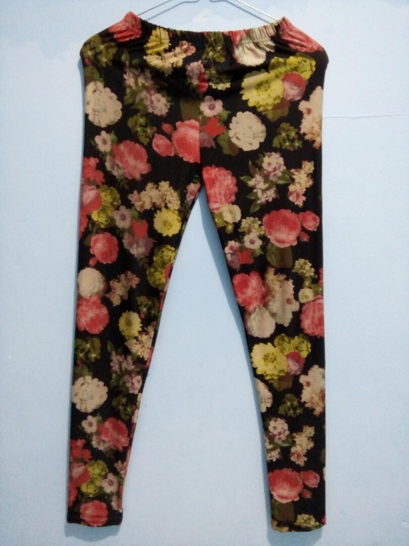 Celana Panjang Legging Motif Bunga Fesyen Wanita Pakaian Wanita Bawahan Di Carousell