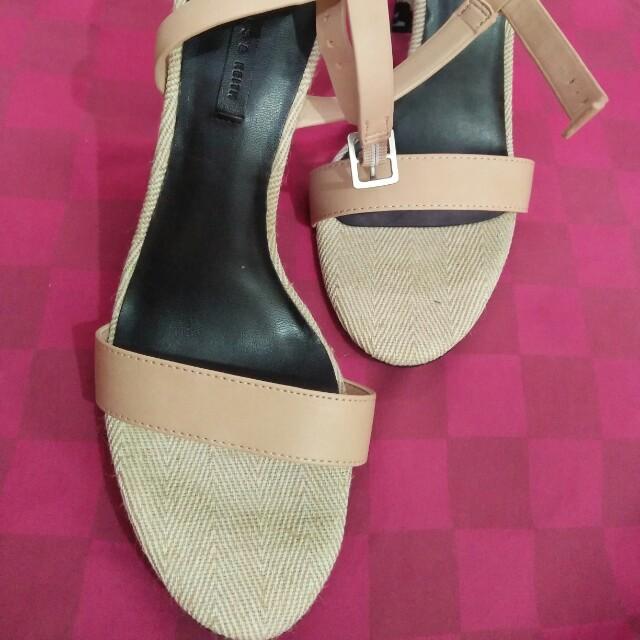 f8b0b1ee52e charles   keith shoes