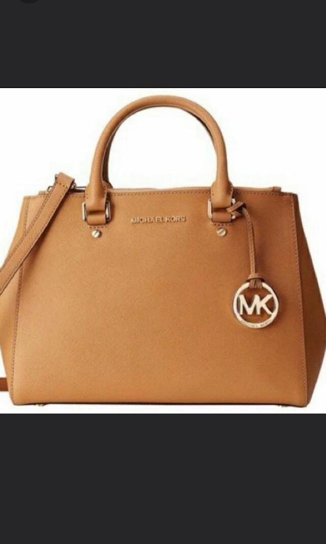 8a1babfc8c99 Christmas special MK Michael Kors Sutton Handbag, Luxury, Bags ...