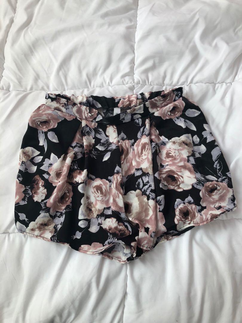 M Boutique floral skirt