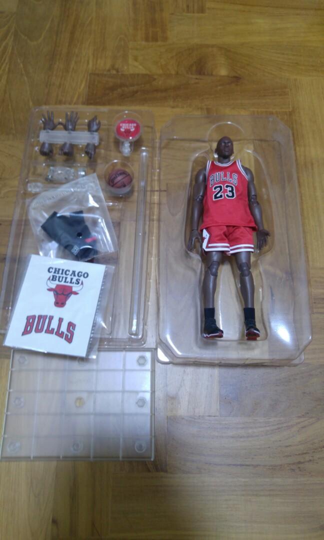 48868da6bbbb Michael Jordan 1 9 Figure