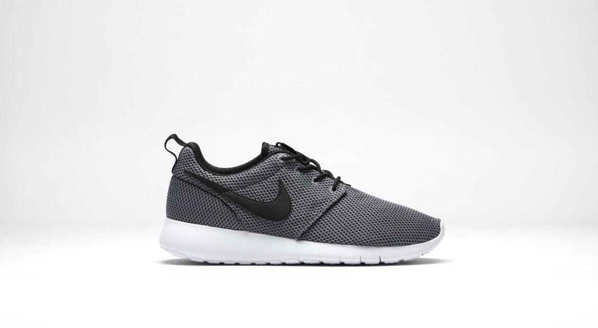 new concept c2a62 02ec3 Nike Roshe One (GS) - Cool Grey, Women s Fashion, Shoes, Sneakers on ...