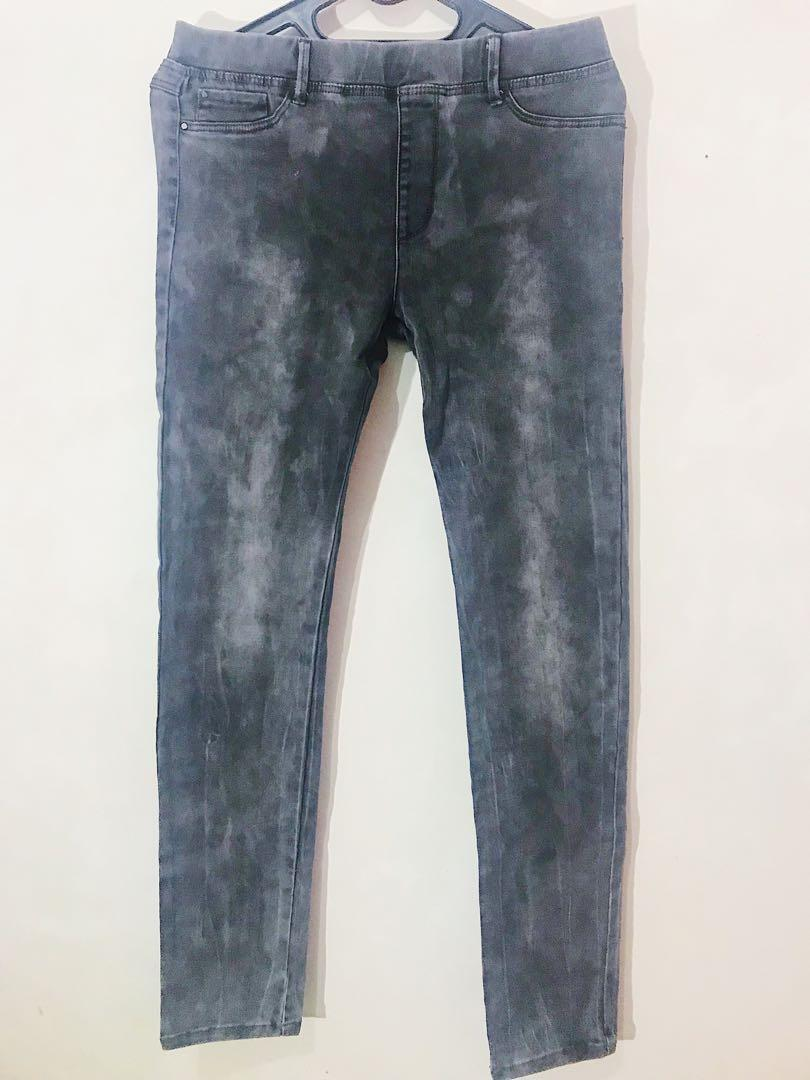 STRADIVARIUS Washed-out jeans