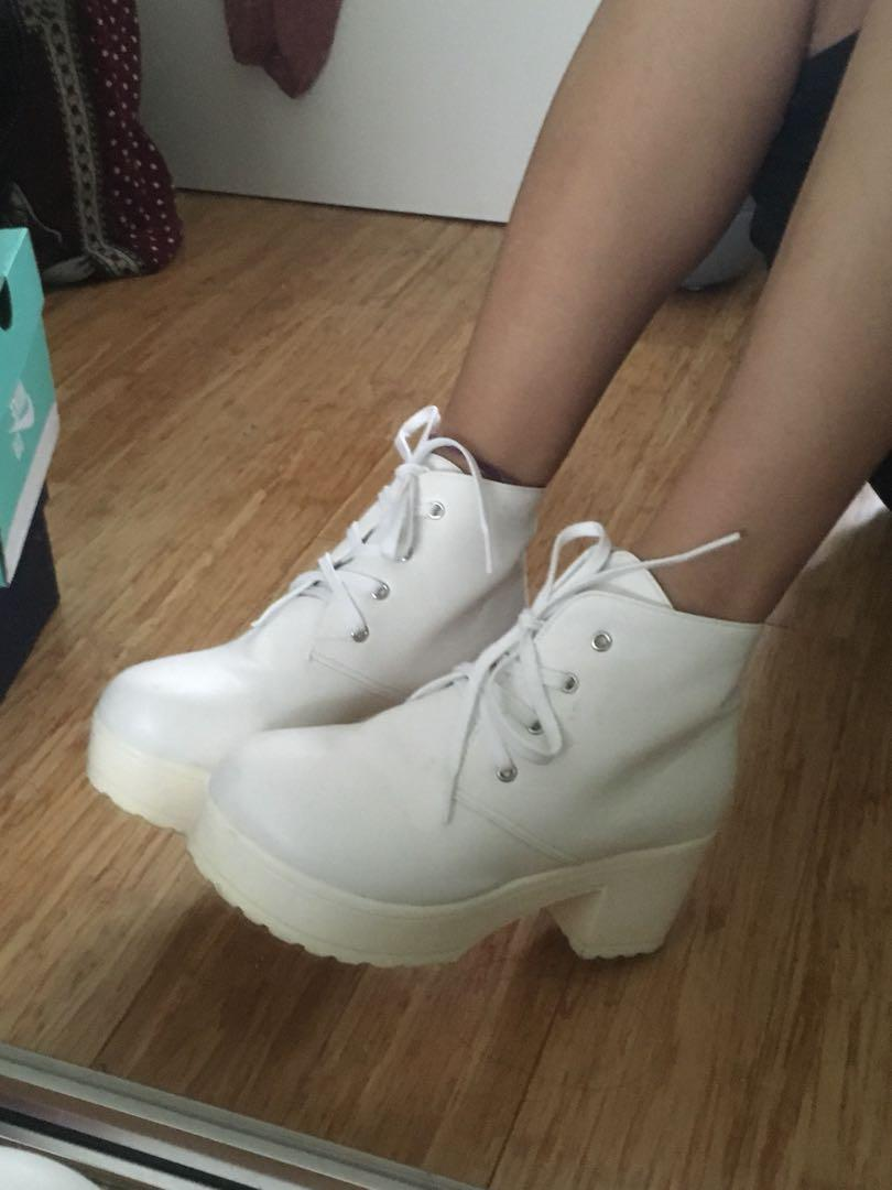 White size 6 boots